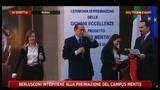 Premiazione Campus Menti: Berlusconi racconta una barzelletta