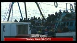 09/04/2011 - Nuovi sbarchi a Lampedusa, Berlusconi torna sull'isola