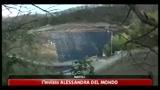 Napoli, rifiuti in città e provincia. l'emergenza continua