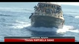 20/04/2011 - Lampedusa, partiti a bordo della Flaminia 1000 migranti