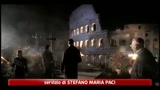 22/04/2011 - Questa sera la via crucis del Papa al Colosseo