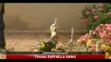 25/04/2011 - Lampedusa, fiori sulle tombe senza nome
