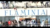 01/05/2011 - Lampedusa, arrivato barcone con 298 migranti