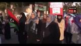 Libia, aerei Gheddafi bombardano siti petrolio Misurata