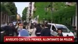 Avvocato contesta Berlusconi, allontanato dalla polizia