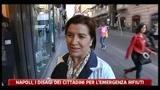 Napoli, i disagi dei cittadini per l'emergenza rifiuti
