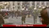 Grecia, sciopero generale: scontri tra manifestanti e polizia