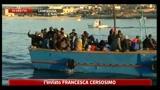 Approdato un barcone a Lampedusa, altri cinque avvistati al largo