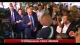 23/05/2011 - Milano, stretta di mano tra i candidati Moratti e Pisapia