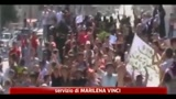 Siria, regime di Assad spara sui manifestanti: 32 morti