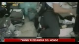 11/06/2011 - Marchi falsi, 5mila capi d'abbigliamento sequestrati a Napoli