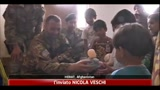 14/06/2011 - Herat, regali da studenti italiani per bambini di un asilo