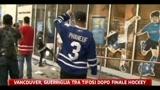 Vancouver, guerriglia tra tifosi dopo finale hockey