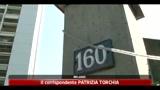 25/06/2011 - Milano, padre dei giovani uccisi urla sotto casa killer