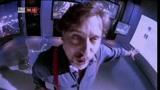 27/06/2011 - Dario Cassini legge i messaggi su facebook e gli sms