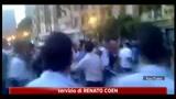 Egitto, decine di feriti negli scontri in Piazza Tahrir al Cairo