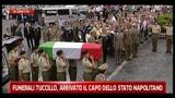 05/07/2011 - Funerali Tuccillo, l'ingresso della bara in chiesa
