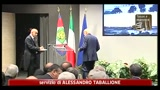 11/07/2011 - Napolitano: governo conduca consultazioni per azione condivisa
