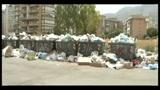 Rifiuti in strada a Palermo, raccolta a rilento