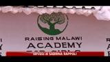 Malawi, Madonna fallisce progetto di edificare scuola