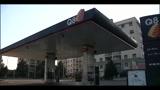 Pompa di benzina guasta, a Bergamo in 200 fanno il pieno gratis