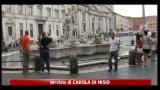Roma, fontana di Piazza Navona danneggiata: caccia al vandalo