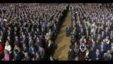 Russia, Medvedev candida Putin al Cremlino, lui sarà premier