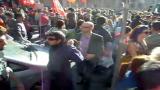 15/10/2011 - Manifestanti pacifici contro Black Bloc