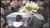 Funerale Simoncelli, l'arrivo in chiesa della bara