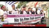 G20, corteo pacifico di protesta per le strade di Nizza