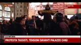Protesta tassisti, tensioni davanti palazzo Chigi