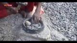 Nepal, la vita delle donne che spaccano le pietre