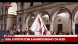 Lega, contestazione a manifestazione con Bossi