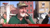 07/10/2012 - Festa popoli padani, i militanti con Maroni