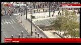 09/10/2012 - Visita Merkel in Grecia, tensioni davanti al parlamento