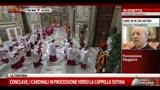 Conclave, cardinali in processione verso la Cappella Sistina