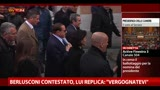 "Berlusconi contestato, lui replica: ""Vergognatevi"""