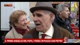 17/03/2013 - Il primo Angelus del Papa, i fedeli in piazza San Pietro
