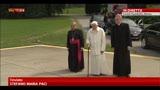 23/03/2013 - Prime immagini dell'incontro tra  Francesco e Benedetto XVI