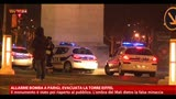31/03/2013 - Allarme bomba a Parigi, evacuata la torre Eiffel