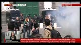 10/04/2013 - Manifestazioni a Napoli, &quot;infiltrati&quot; lanciano bombe carta