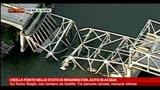 24/05/2013 - Crolla ponte nello stato di Washington, auto in acqua