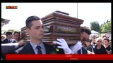 30/05/2013 - Una folla commossa ai funerali di Little Tony