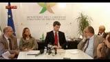 15/07/2013 - Ilva, Bondi: tumori colpa del fumo, scoppia la polemica