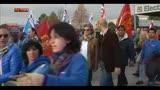 31/10/2013 - Electrolux, lavoratori in strada contro i tagli al personale