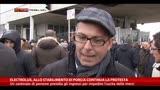 29/01/2014 - Electrolux, centinaio di persone presidia gli ingressi