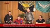27/04/2014 - Ucraina, separatisti filorussi mostrano ostaggi Osce