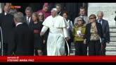 28/09/2014 - Papa con i nonni, in Piazza San Pietro c'è anche Ratzinger