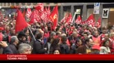 14/11/2014 - Corteo Fiom a Milano, scontri antagonisti-forze dell'ordine