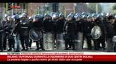 Milano, tafferugli durante sgombero di due centri sociali